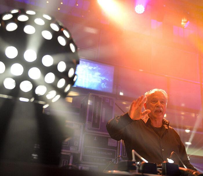 giorgio-moroder-photo-live-24